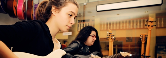 Es eğitim - Gitar